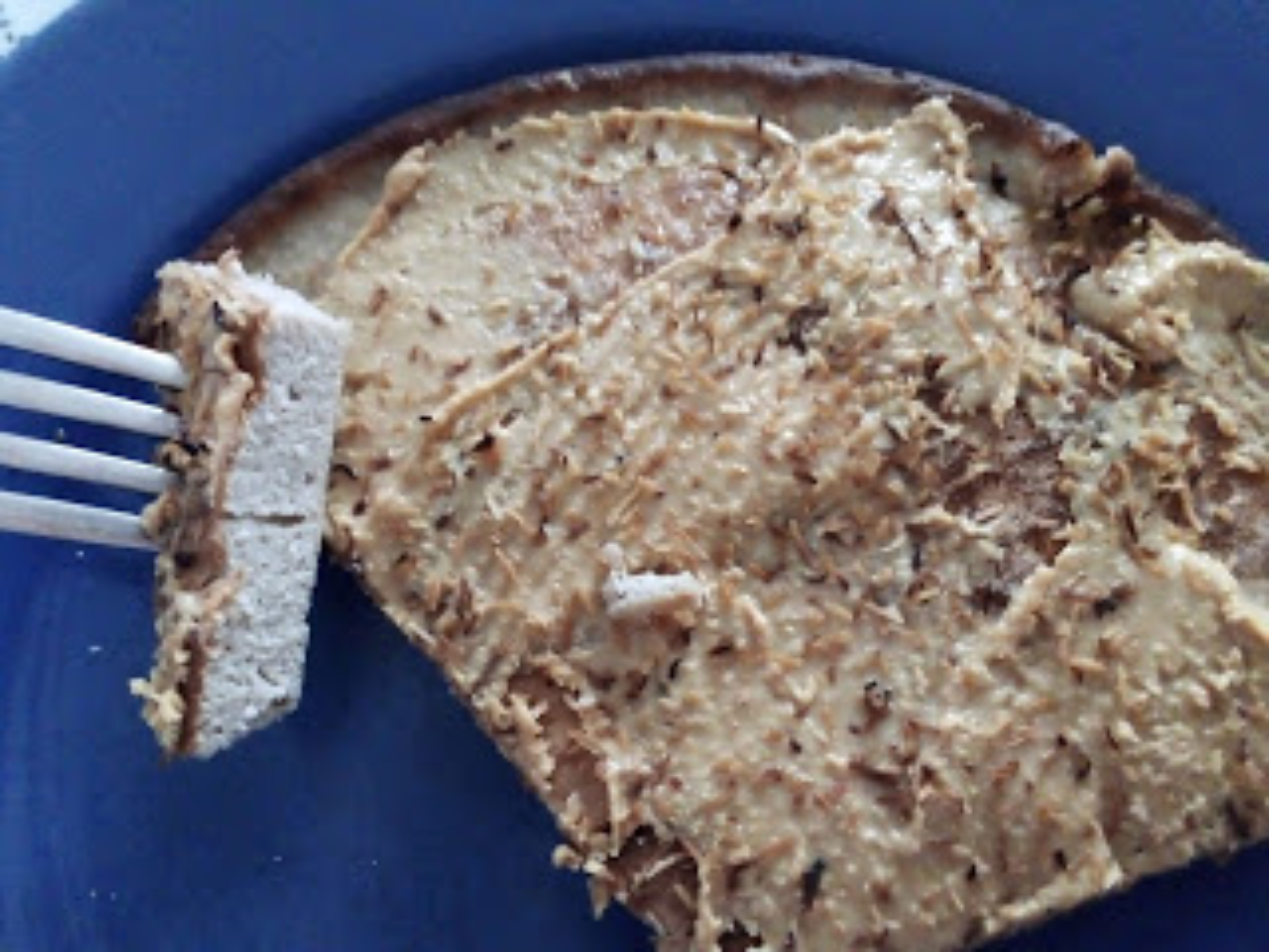 Omlet kokosowy z masłem orzechowym