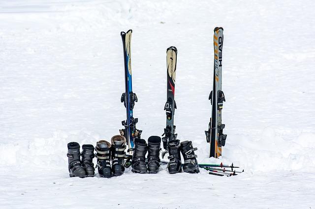 Jak wybrać buty narciarskie – poradnik